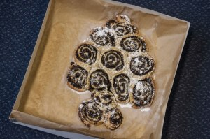A Christmas tree of Mince Pies