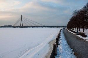Frozen riverscene