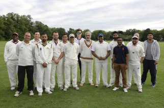 Staff-student-cricket_04