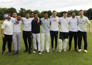 Staff-student-cricket_05