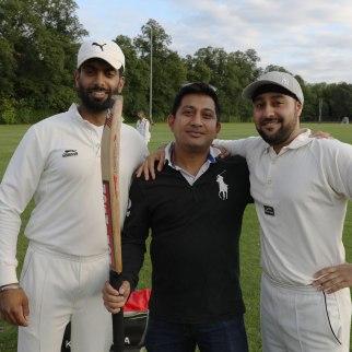 Staff-student-cricket_10